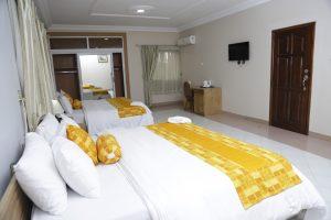 central-hotel-yaa-somuah-accra-ghana